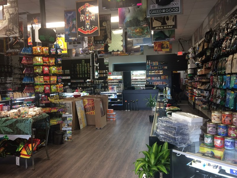 Cheeba Hut Smoke Shop | Headshop in Chesterfield, Michigan
