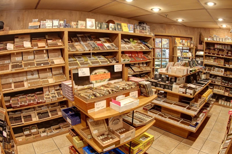 DJ\'S Smoke Shop
