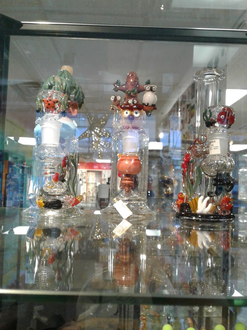 Green Zone Smoke & Gifts Shop