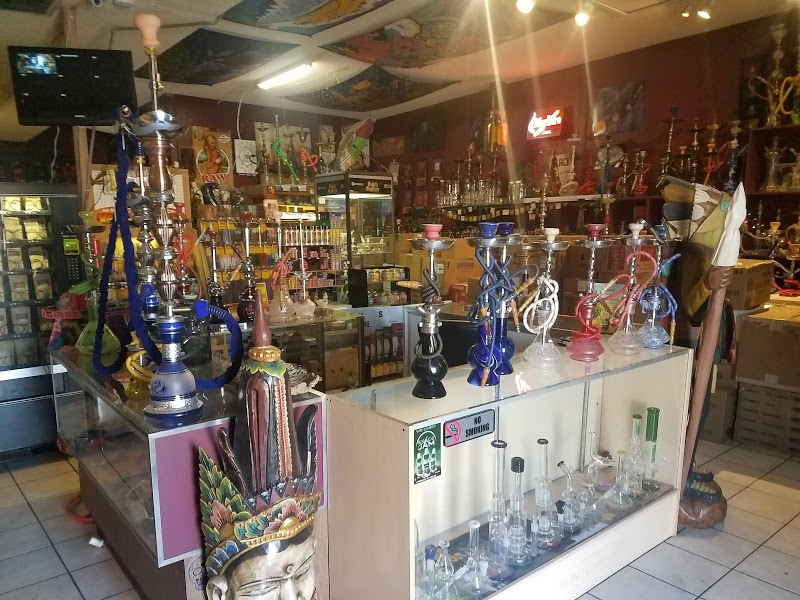 Headhunters Smoke Shop