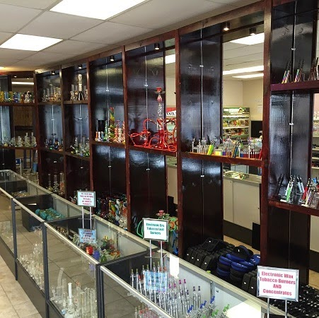 Smokers Gallery Pipes and Tobacco