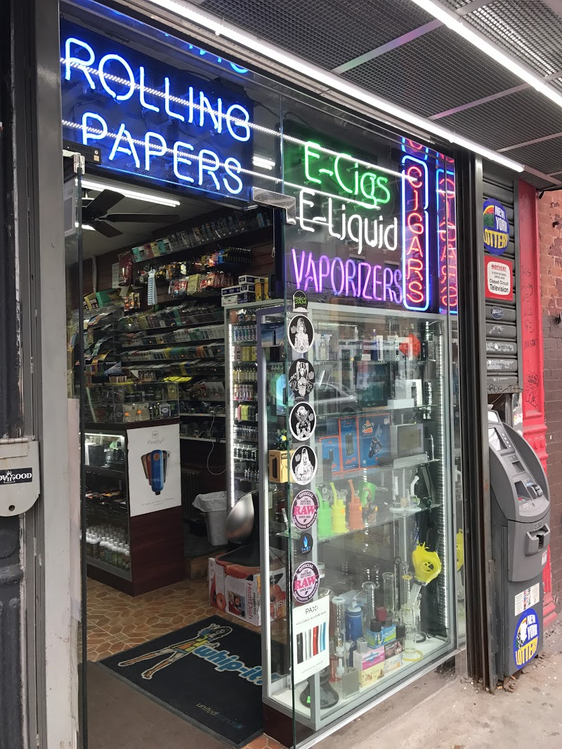 Vaporizers & Tobacco Smoke Shop